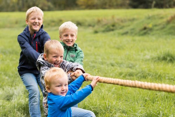 Bild Familienfotografie Rosenheim Strahlemaedchen