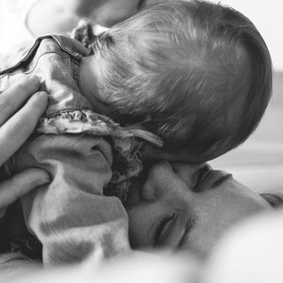 Natürliche Homestory Familienfotos mit Baby